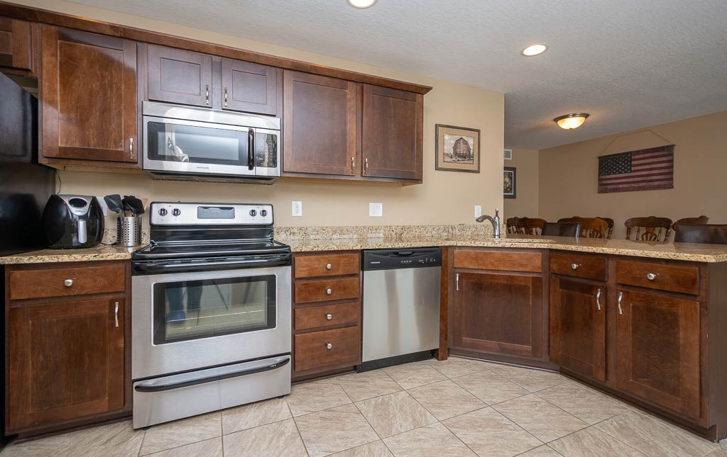 3719 Marigold Drive - Townhome for Rent - kitchen