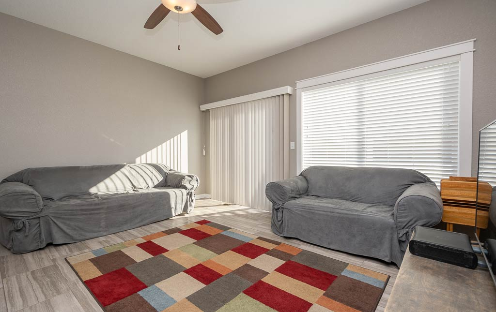 3724 Marigold Drive - Townhome for Rent - living room