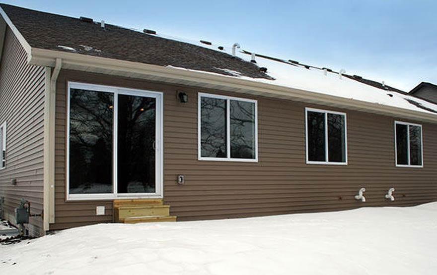 3818 MArigold Drive - Backyard and screen door