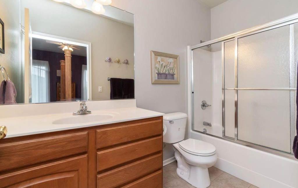 3838 Marigold - Rental Home - bathroom