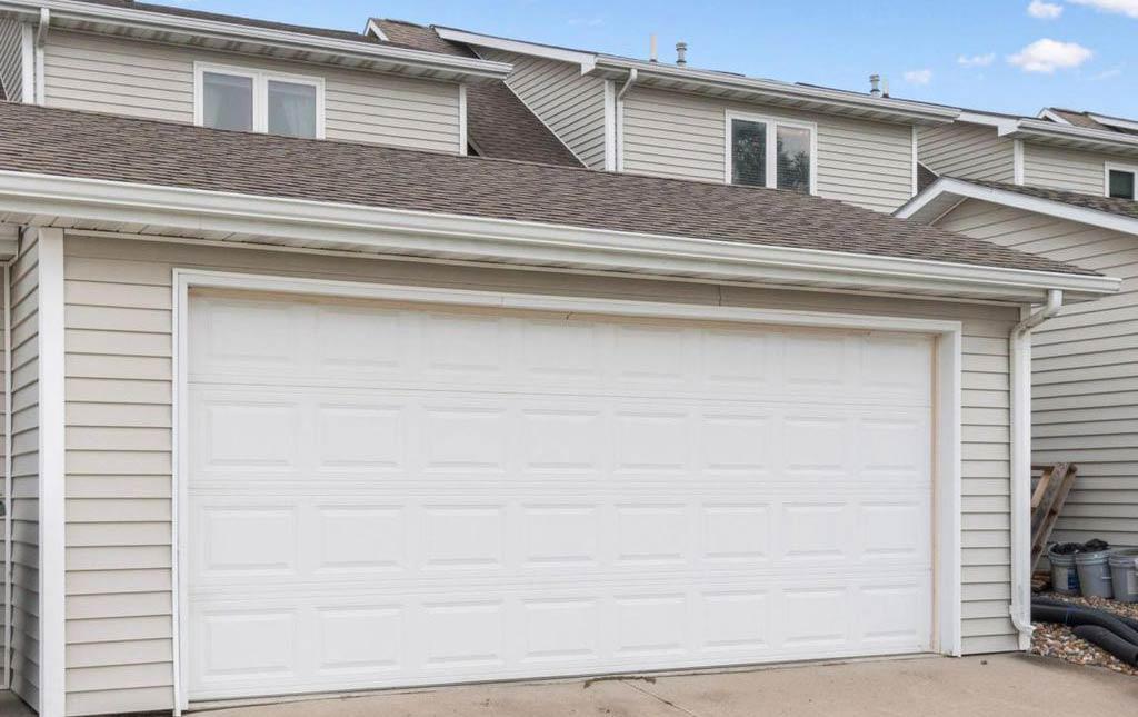 3838 Marigold - Rental Home - Attached Garage