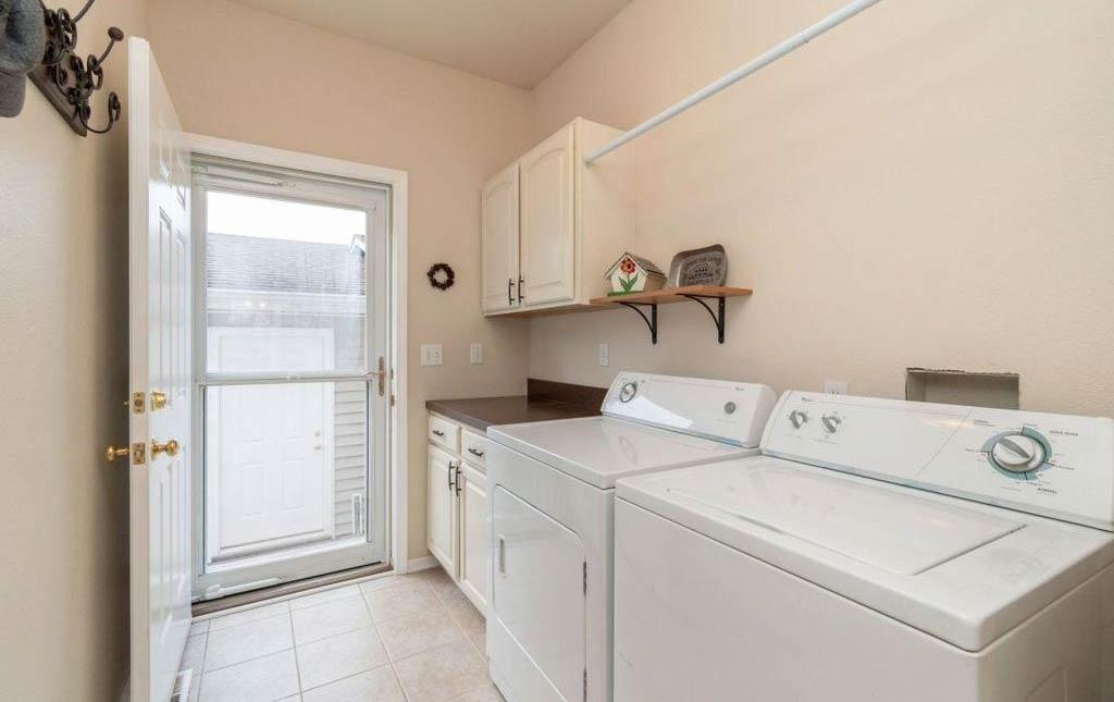 3838 Marigold - Rental Home - laundry room