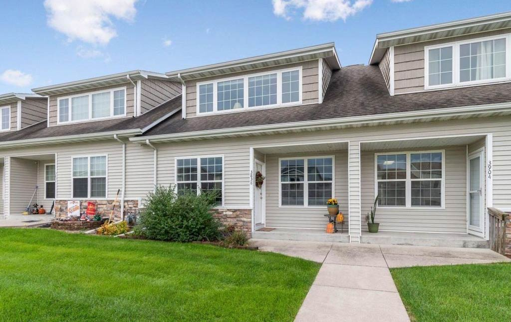 3838 Marigold Drive - Townhome for rent in Ames, Iowa