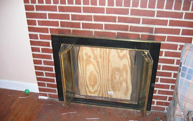3107 Lincoln Way - fireplace