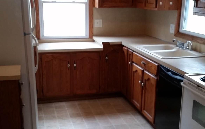 3107 Lincoln Way - kitchen