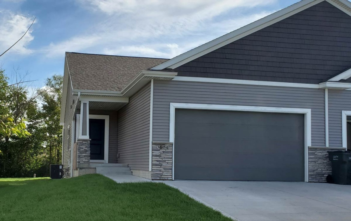 3604 coy street - townhome for rent - exterior